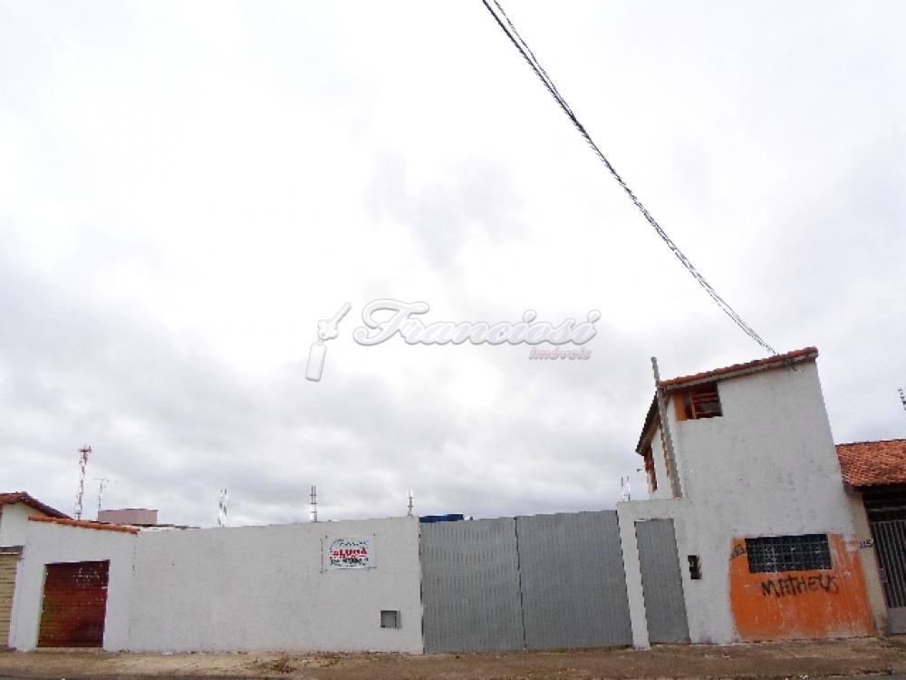 Alugar Comercial / Terreno em Itapetininga. apenas R$ 1.500,00