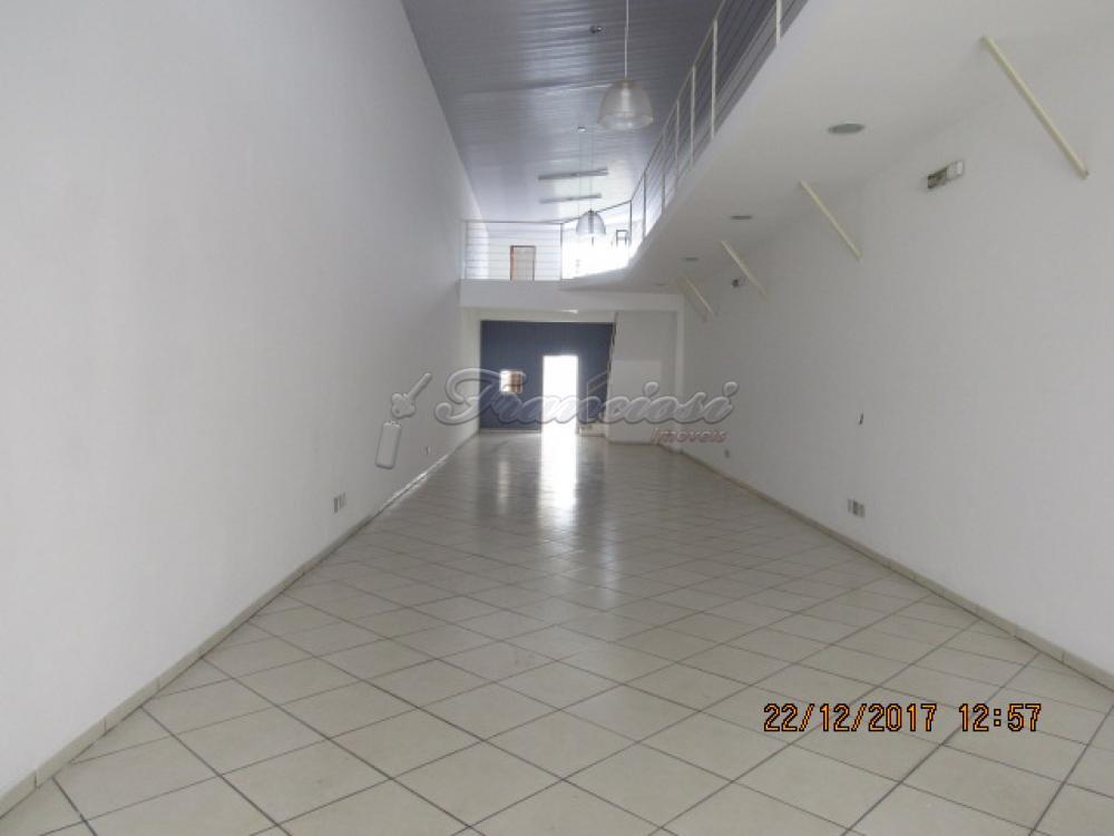 Alugar Comercial / Salão Comercial em Itapetininga apenas R$ 2.300,00 - Foto 1
