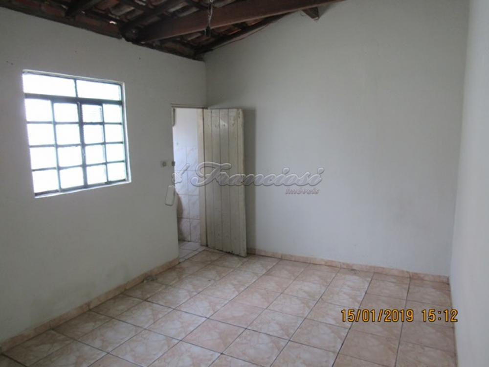 Alugar Casa / Padrão em Itapetininga apenas R$ 450,00 - Foto 3