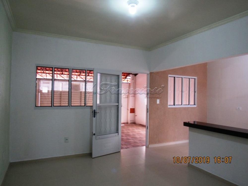 Alugar Casa / Padrão em Itapetininga apenas R$ 1.100,00 - Foto 4