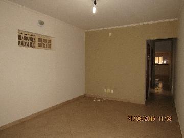 Alugar Casa / Padrão em Itapetininga. apenas R$ 1.400,00