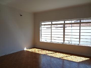 Alugar Casa / Padrão em Itapetininga. apenas R$ 1.200,00