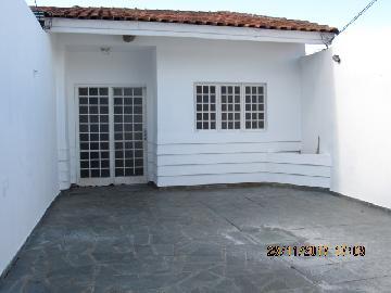 Alugar Casa / Padrão em Itapetininga. apenas R$ 850,00