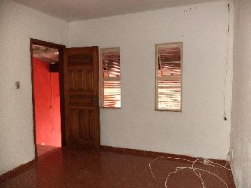 Alugar Casa / Padrão em Itapetininga. apenas R$ 650,00