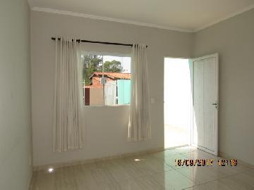Alugar Casa / Padrão em Itapetininga. apenas R$ 800,00