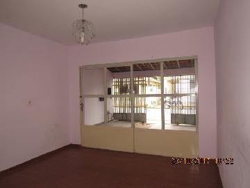 Alugar Casa / Padrão em Itapetininga. apenas R$ 900,00