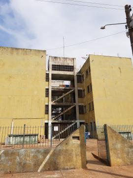 Comprar Apartamento / Padrão em Itapetininga apenas R$ 80.000,00 - Foto 1